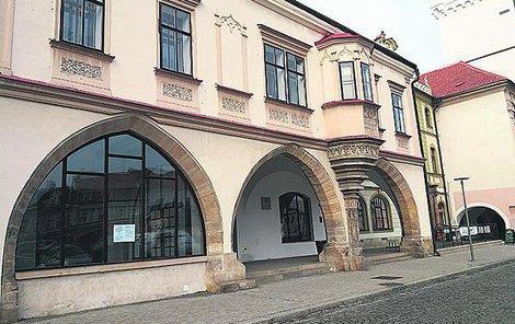 Provozovnu v objektu radnice už nabízí za 10 tisíc korun.