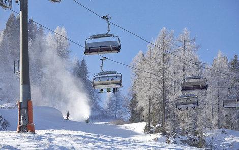 Na víkend se do Česka vrátí zimní teploty. Na horách bude i mrznout.