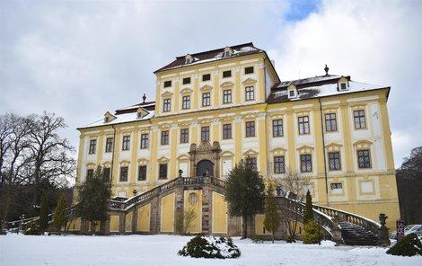 Výstava je k vidění na zámku Červený Hrádek v Jirkově.