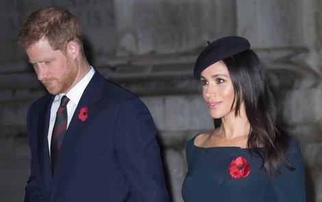 Britové mají na královský pár pifku.