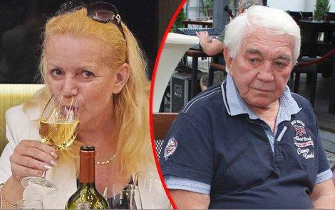 """""""Když bude někdo chtít pít, tak ho neuhlídáte,"""" řekl Hanky manžel Jiří."""