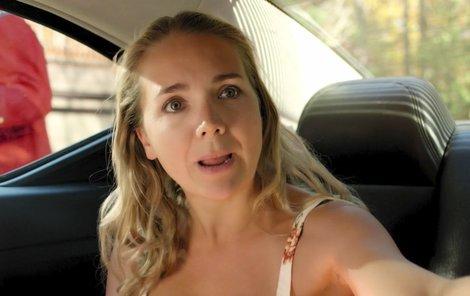 Lucie Vondráčková v traileru k filmu Hotel Limbo.