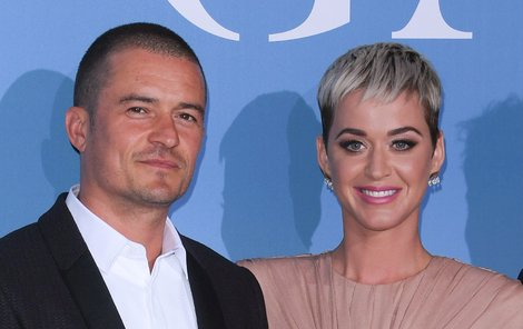 Se zpěvačkou se zasnoubili na letošního Valentýna.