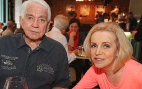 Krampol s manželkou.