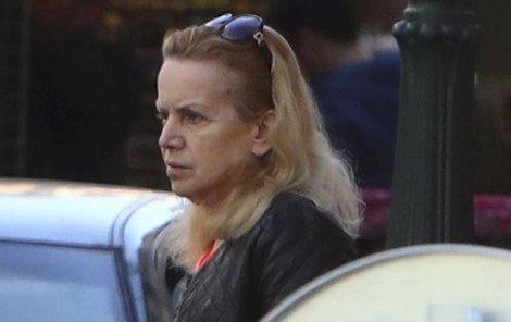 Hana Krampolová vyrazila do salonu krásy