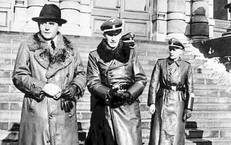 Albert Speer (vlevo) a Reinhard Heydrich.