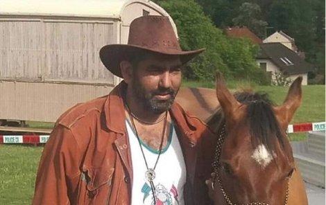 Poslední kovboj, co miluje svého koně.