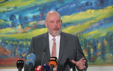 Útočně obranný styl premiéra Andreje Babiše (64, ANO), jakým odmítá nařčení ze střetu zájmů, si zjevně osvojil i ministr zemědělství Miroslav Toman (59, ČSSD).