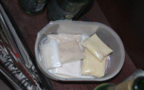 Jen při domovní prohlídce našli policisté drogy v hodnotě přibližně 125 tisíc korun!