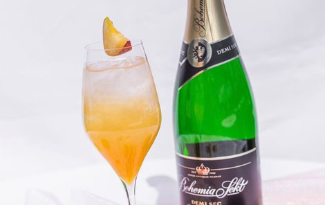 Okouzlete hosty bublinkami - Bellini