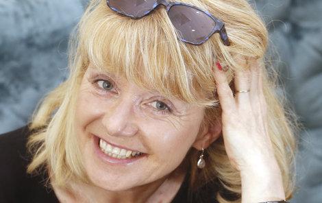 Lidé ji poznávají po hlase jako americkou herečku Sandru Bullock (54), kterou leta dabuje.