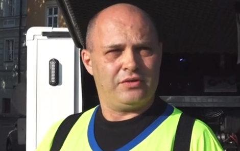 Miloslav Černý, muž, který odstranil graffiti z Karlova mostu
