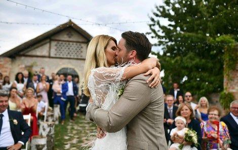 Krásná svatba půvabné Sandry Parmové.