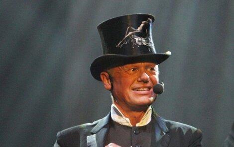 V pražské O₂ areně to Jiří rozbalí jako správný showman.