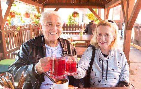 Jiří Krampol a Hana Krampolová na společném obědě