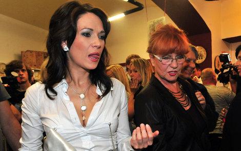 Tereza Kostková s maminkou Carmen Mayerovou občas také mívají neshody.