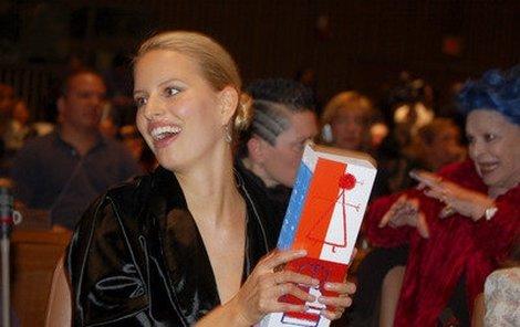 Češka Karolína Kurková, jedna z nekrásnějších a také nejlépe vydělávajících modelek světa, nezapomíná ani na charitu.
