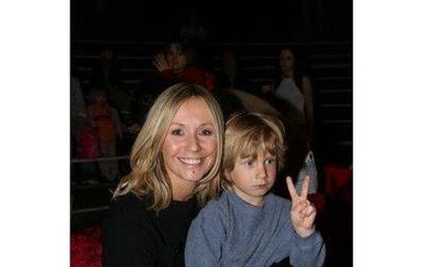 Tereza Pergnerová byla ráda, že si se svým synkem Samem udělala výlet do cirkusu, a Sam na všechny házel véčka.