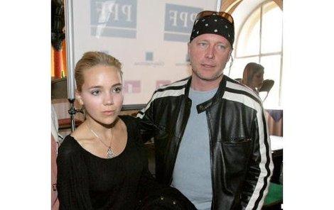 Lucie Vondráčková si zahraje po boku svého bývalého přítele Michala Dlouhého.