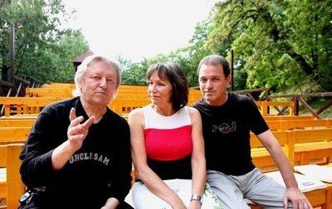 Marta Kubišová zpívala s Václavem Neckářem za dohledu Milana Heina z Divadla Ungelt.