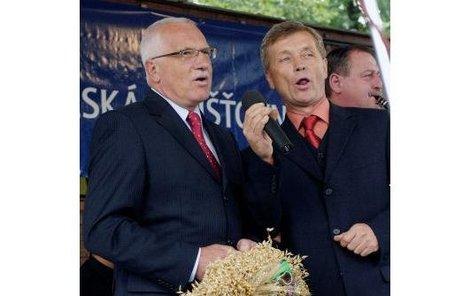 Václav Klaus si na výstavě zazpíval píseň Ach synku, synku...