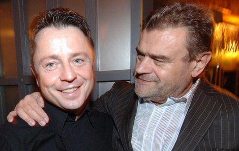 Petr Muk se alkoholu vyhýbal jak čert kříži a s Karlem Svobodou probíral hlavně nový muzikál Golem.