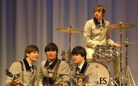 Pavel, Luděk, Petr a Zbyněk alias The Beatles Revival jsou od Ringa, Johna, George a Paula, tedy opravdových The Beatles, téměř k nerozeznání.