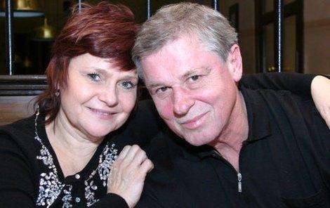 Laďa a Milada Kerndlovi. Oba bojovali s rakovinou a oba vyhrávají.