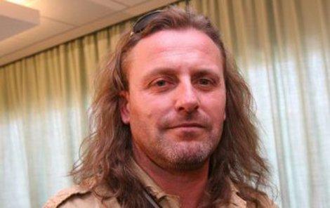 51. narozeniny dnes slaví zpěvák skupiny Kabát Josef Vojtek!