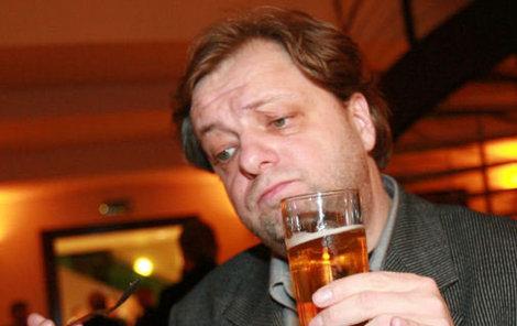 Milan Šteindler se ve svém novém filmu postaví i před kameru a střihne si postavu pornorežiséra, který má rád pivo.