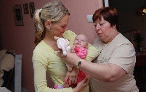 Zuzana Paroubková,  bývalá přítelkyně mladého Paroubka Kristýna a malá Viktorka.