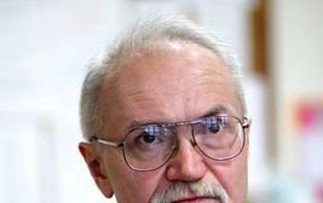 Michael Kutílek – po sedmnácti letech přiznal, že dvě stopařky ubodali s parťákem Josefem Kottem v rámci »satanského« obřadu.