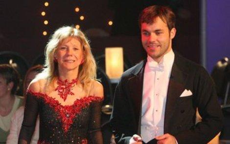Vyčerpaná Lenka Filipová s tanečním partnerem Michaelem Petrem byli rádi, že vypadli.