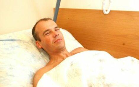 """Ivanovi lékaři operovali tříselnou kýlu. """"Uhnal jsem si ji sportem, dělám cyklistiku,"""" říkal jen několik minut před operací."""