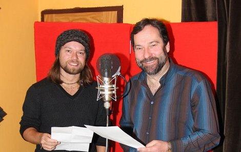 Richard Krajčo s Radkem Johnem (vpravo) spojili síly k vydání nové audioknihy Memento.