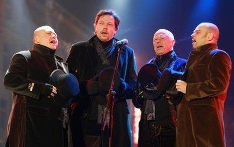 4tetu ve složení (zleva) Jiří Škorpík, Dušan Kollár, Jiří Korn a David Uličník se nedaří vydat třetí desku.