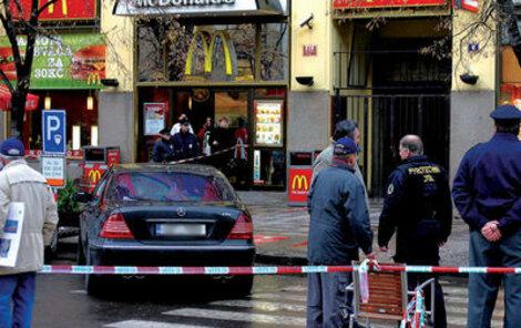 13. listopadu 2007 - Na Václavském náměstí byl pobodán mafián z východu.
