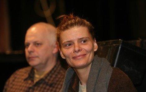 Bohumil Klepl a Zuzana Bydžovská si společně zahrají v nové hře Herci, která má premiéru už zítra.