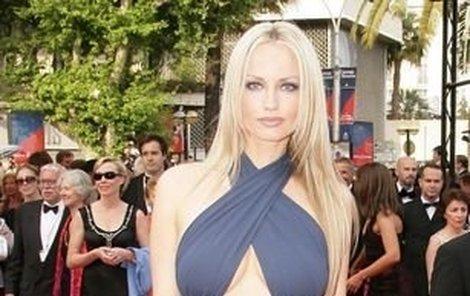 Modelka Adriana Sklenaříková patří mezi nejkrásnější ženy světa.