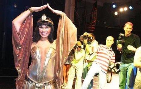 Kamila Nývltová podle producentů spíše odpovídá mladičké Kleopatře.