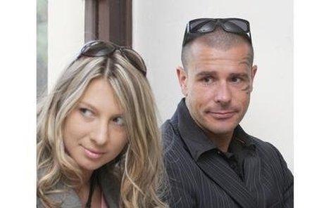 Robert Rosenberg a jeho manželka Žaneta si včera vyslechli obžalobu.