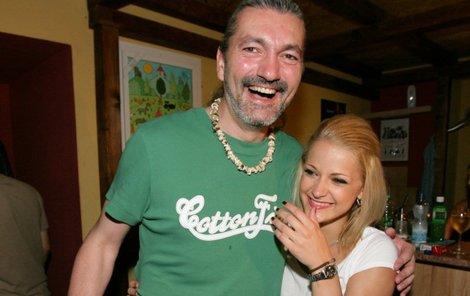 Šárka Vaňková je současnou přítelkyní Dana Hůlky. Jak dlouho však vztah potrvá, lze jen odhadovat.