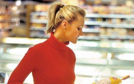 Při nakupování masa dobře čtěte etikety, jedině tak se vyhnete nepříjemnostem při vaření.