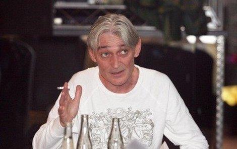 Vladimír Dlouhý si nikdy neodpustil cigaretu, i kvůli tomu zemřel tak mladý.