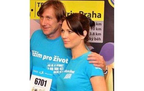 Jan Antonín Duchoslav a Tereza Kostková už jsou na sportovní výkon připraveni.