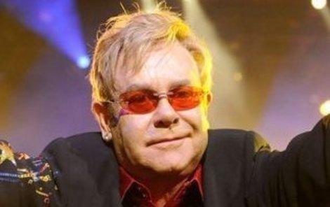 Elton John je na umření.