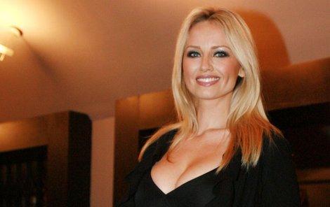 Adriana Sklenaříková slaví 45. narozeniny. Přejeme všechno nejlepší!
