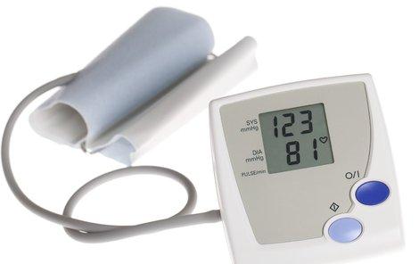Normální krevní tlak by měl mít hodnoty nižší než 140/90.