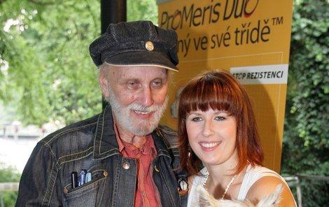 Jeden z posledních společných snímků s otcem.