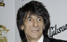 Ronnie Wood z Rolling Stones: Rakovina?